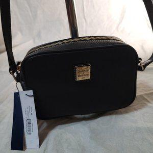 NWT Dooney & Bourke Pebble Camera Bag Crossbody.